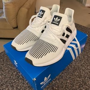Adidas Swift Run - Size 13